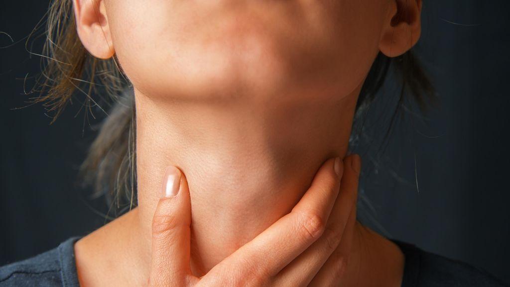 Ciri Kanker Tenggorokan, Penyebab, dan Pengobatannya