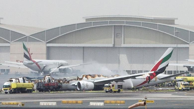 Pilot Emirates Batalkan Pendaratan Beberapa Detik Sebelum Crash Landing