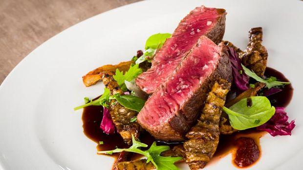 Asupan tinggi protein seperti daging merah baik untuk otot.