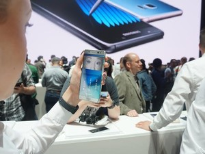 Pemindai Iris Galaxy Note 7 vs Lumia 950, Bagus Mana?