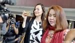 Dewi Rezer Suka ke Singapura