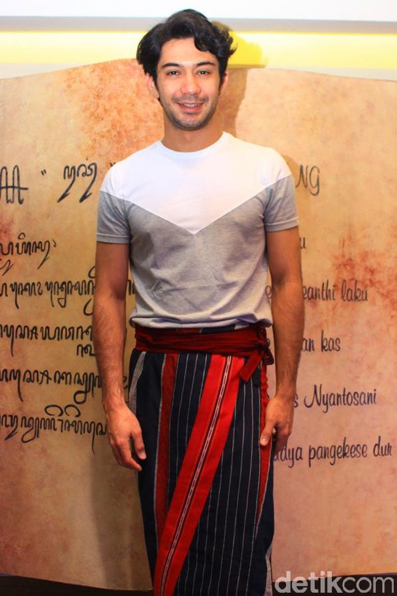 Reza akan memerankan tokoh Minke. Hanif Hawari/detikHOT.