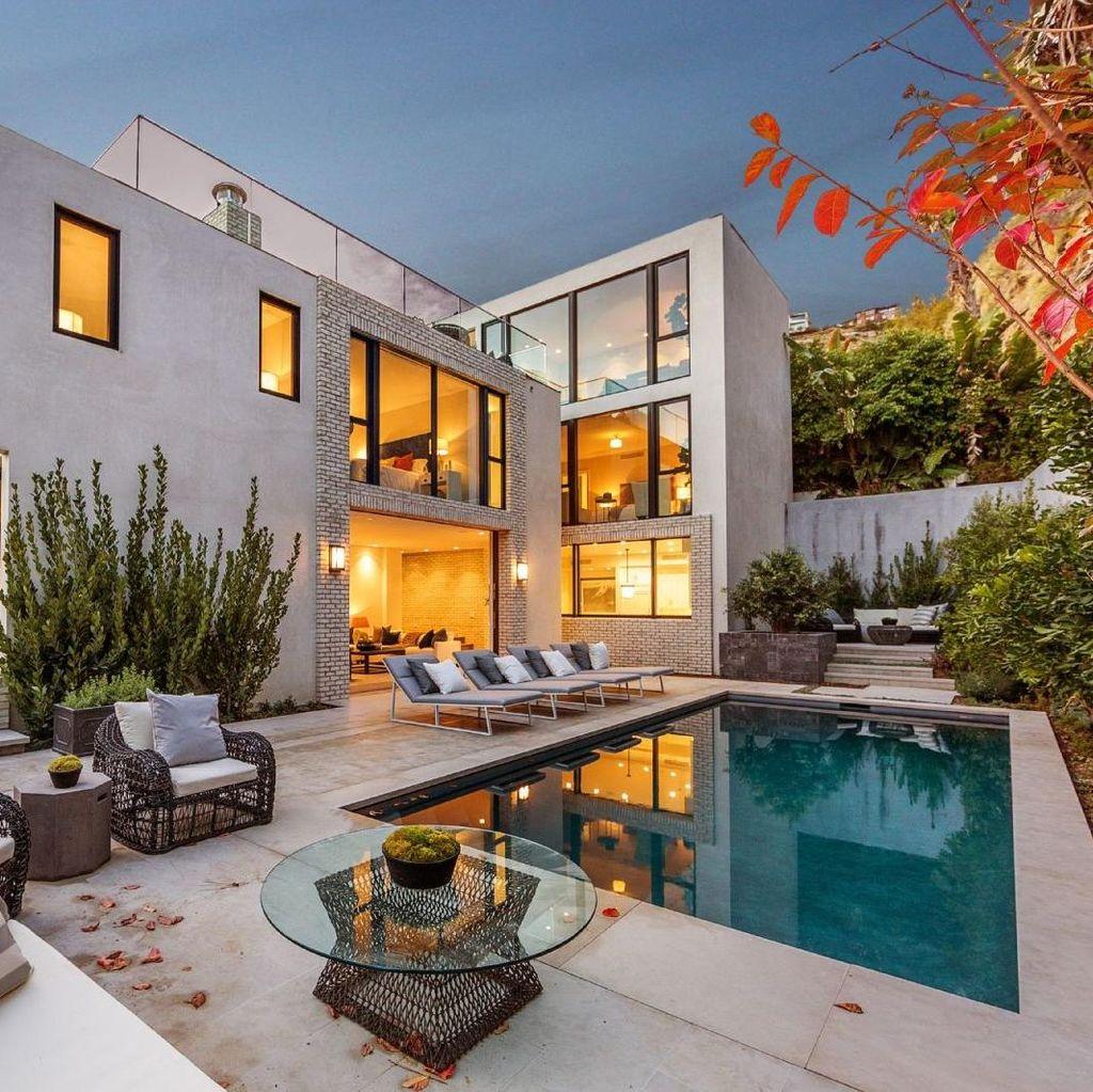 Melihat Isi Rumah Kendall Jenner