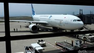 Garuda Indonesia Pecah Ban Saat Mendarat di Kualanamu