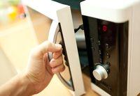 Niat Desinfeksi Uang Rp 6 Juta di Microwave, Hasilnya Uang Terbakar!