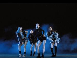 Niat hingga Kocak! Ketika Fans Parodikan MV K-Pop