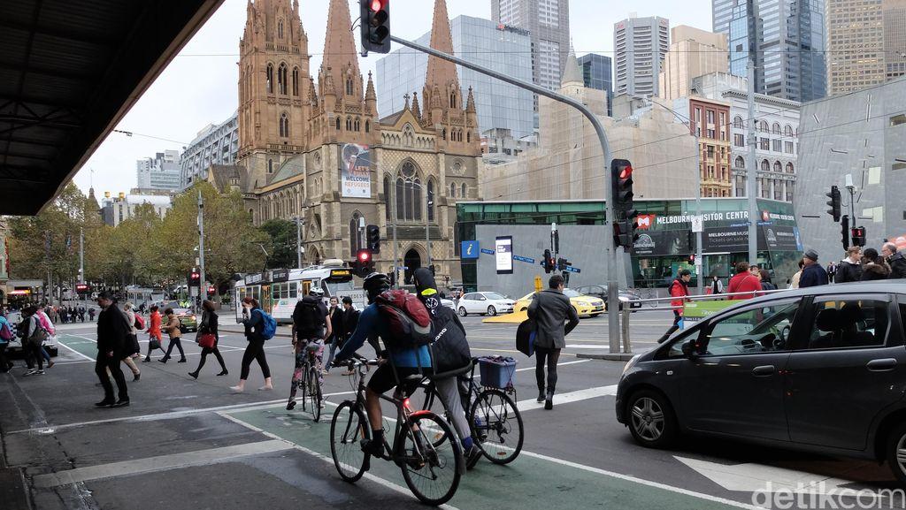 Tak Hanya Mobil dan Motor, Ingat Ada Pesepeda Juga di Jalan