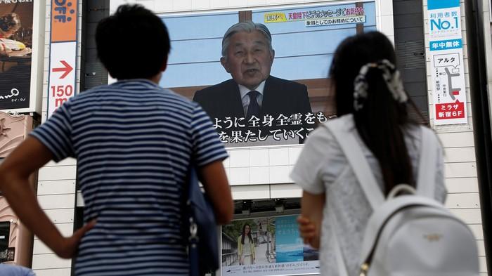 Kaisar Akihito saat memberi pernyataan langka kepada publik Jepang (REUTERS/Kim Kyung-Hoon)