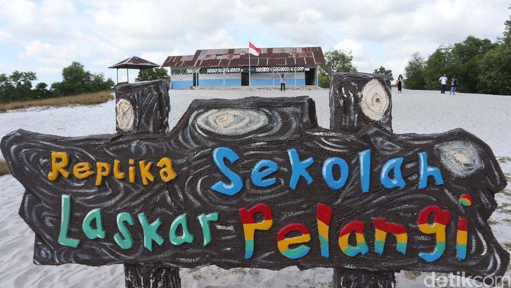 Berkunjung ke SD Laskar Pelangi