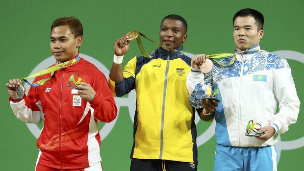 Eko Yuli meraih medali perak di Olimpiade 2016 di Rio De Janeiro.