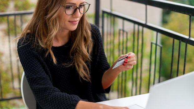 Meski Mudah dan Nyaman, Benarkah Belanja Online Picu Kegemukkan?