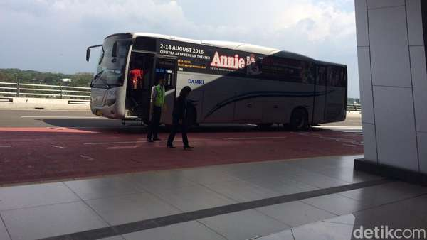 Transportasi di T3 Ultimate Bandara Soetta: Taksi, Damri hingga Shuttle Bus