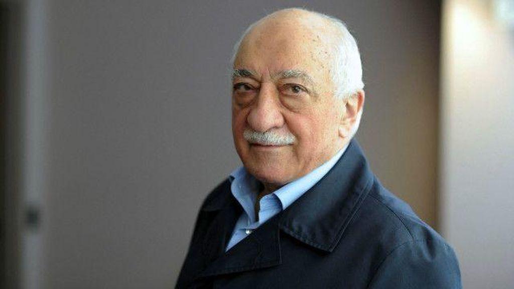 Turki Klaim Trump Sedang Upayakan Ekstradisi Fethullah Gulen