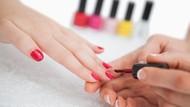 Ngeri! Gara-gara Manikur di Salon Jari Wanita Ini Nyaris Diamputasi