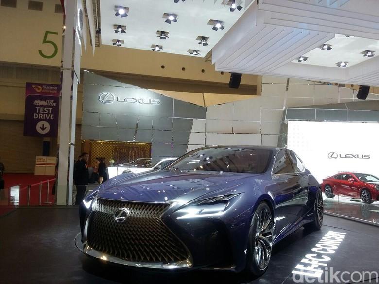 Konsep Lexus LF-FC di GIIAS 2016 (Foto: Niken Purnamasari)