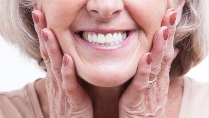 Ketika Arang Aktif Dijadikan Odol Untuk Memutihkan Gigi