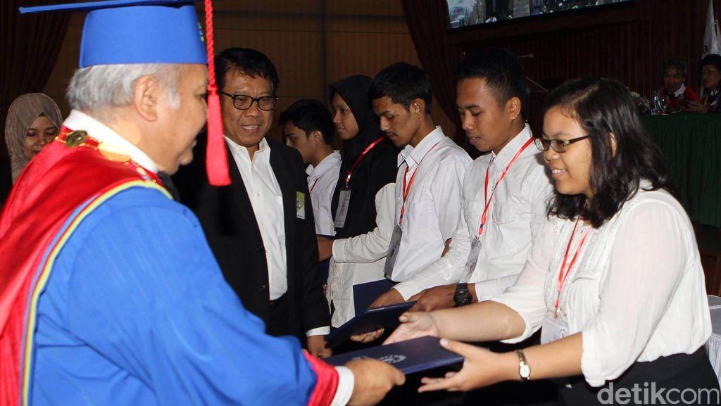 Universitas Pertamina Buka Beasiswa untuk Lulusan SMA dari Daerah 3T, Bisa Kerja di Pertamina!