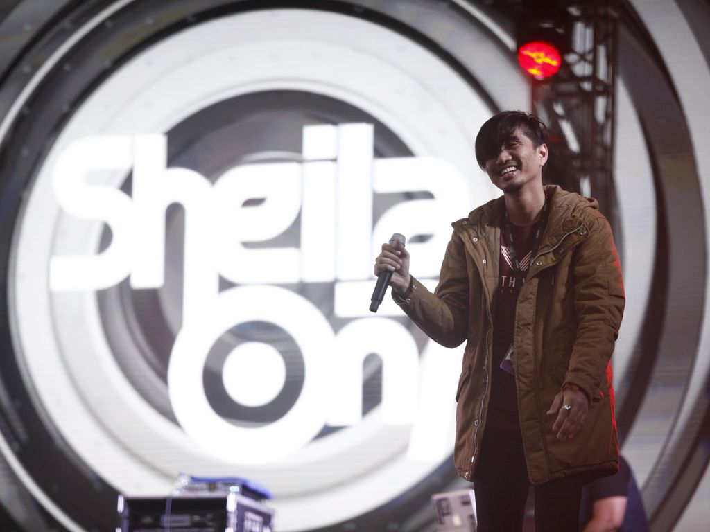 Sheila On 7 di We The Fest (WTF) 2016 hari kedua.