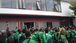 Tolak Tarif Baru, Ratusan Driver Go-Jek di Yogya Mogok