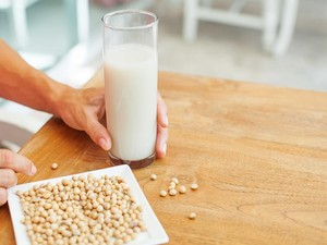 Sarapan Susu Kedelai? Kenali Nutrisi dan Manfaat Sehatnya