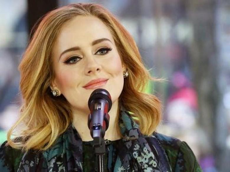 Wah, Adele Bakal Tak Lakukan Tur Selama Satu Dekade?