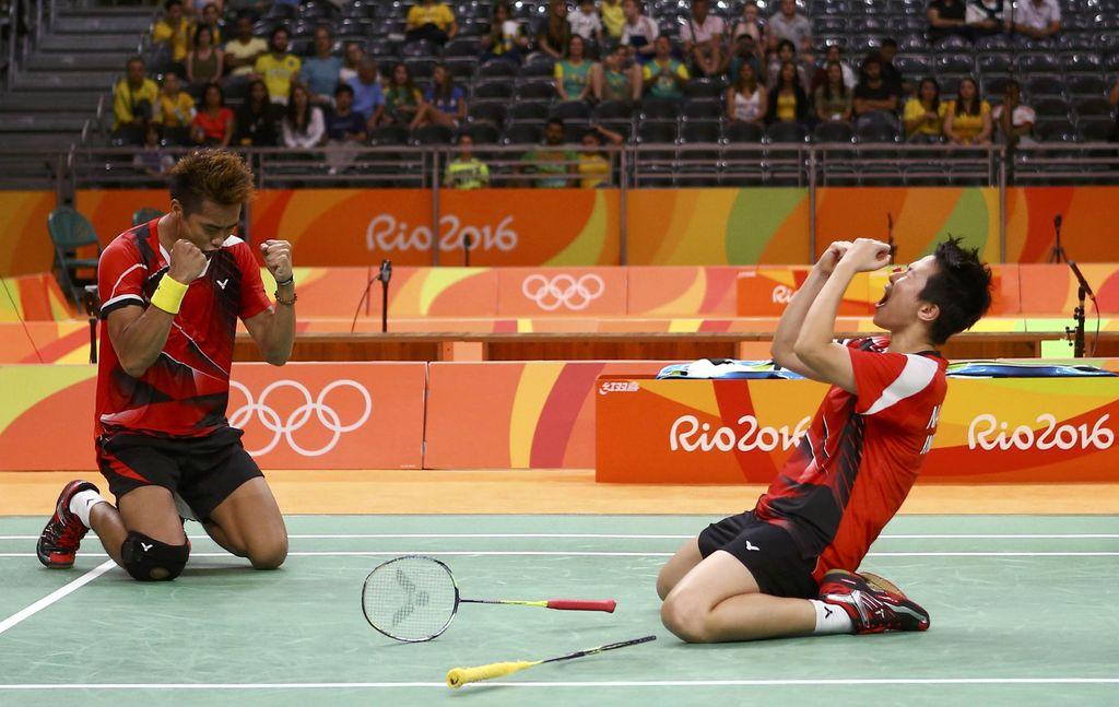 Tontowi Ahmad/Liliyana Natsir meraih emas di Olimpiade 2016