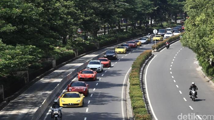 Konvoi Mobil Mewah di Jakarta