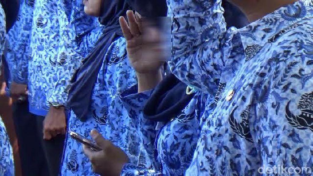 Jokowi Terbitkan PP, PNS Tak Netral di Pemilu Bisa Diberhentikan
