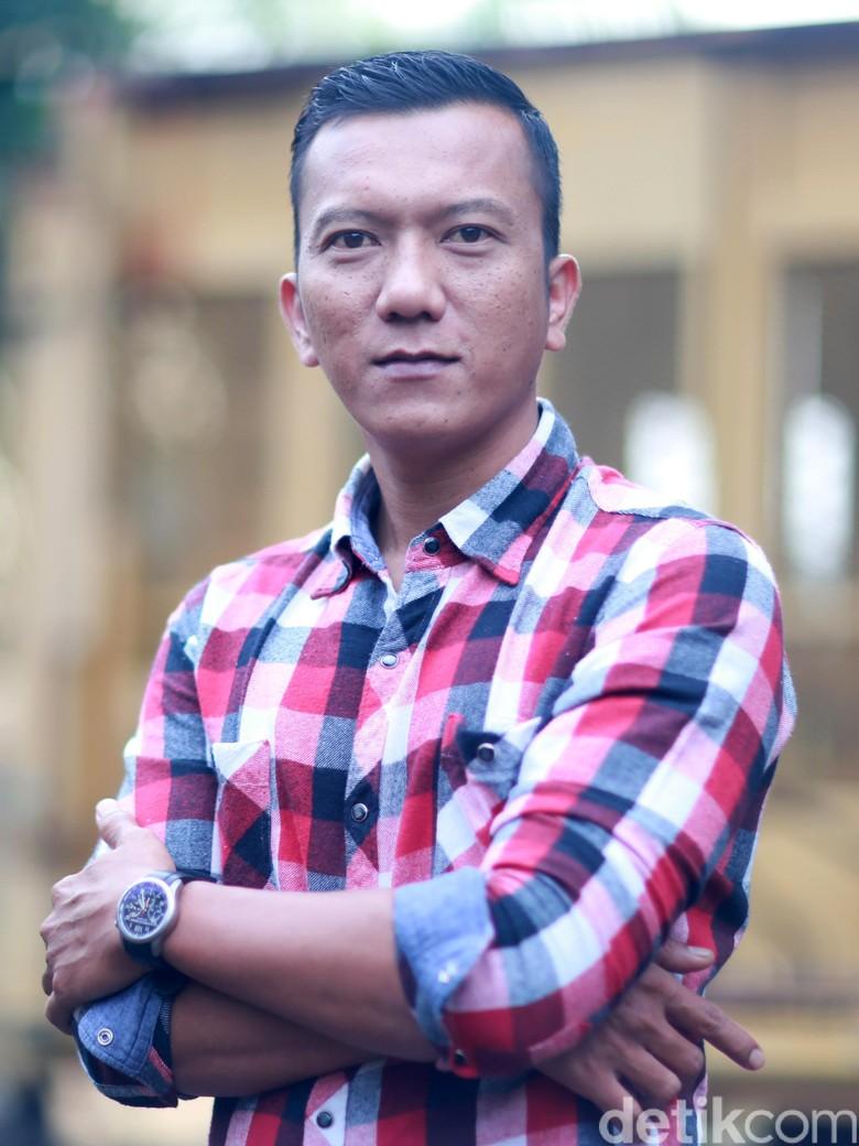 Mengenal Lebih Jauh Aktor Teuku Rifnu Wikana