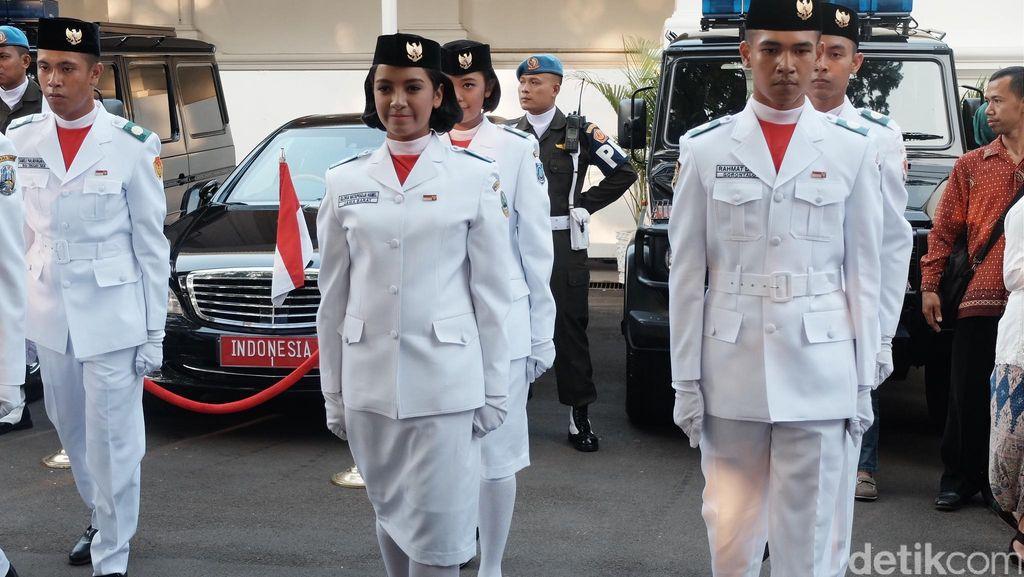 Cerita Gloria, Paskibraka Cantik dengan Paspor Prancis yang Cinta Indonesia