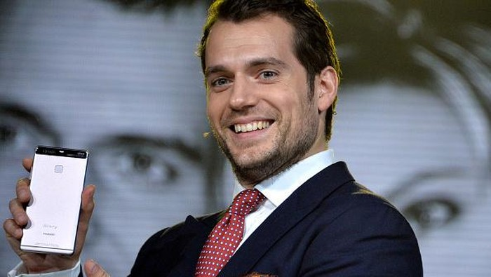 Henry Cavill promosi Huawei P9. Foto: Getty Images