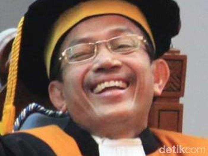 Hakim agung Surya Jaya (ari/detikcom)