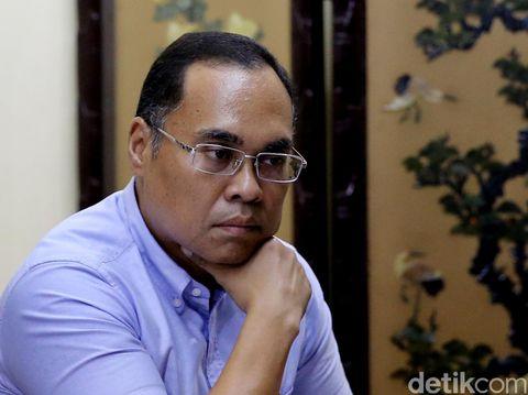 Guru Besar Hukum Internasional UI Hikmahanto Juwana dalam diskusi 'Warga Tanpa Warga Negara' di kantor Para Syndicate, Jakarta, Jumat (19/8/2016)