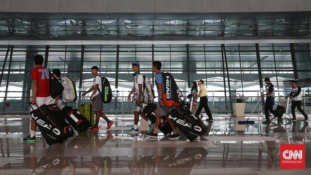 Waswas Corona, Menertawai Pemerintah Ala Sopir Taksi Bandara