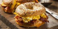 Sering Ngantuk Setelah Sarapan? Hindari Konsumsi 8 Makanan Ini