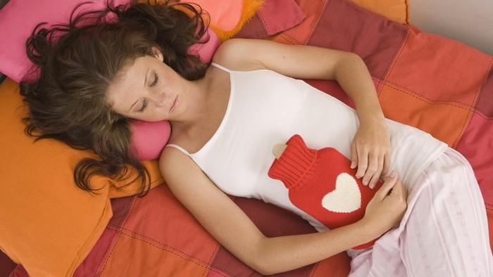 Nggak jaman lagi percaya soal mitos yang beredar soal menstruasi. (Foto: Thinkstock)