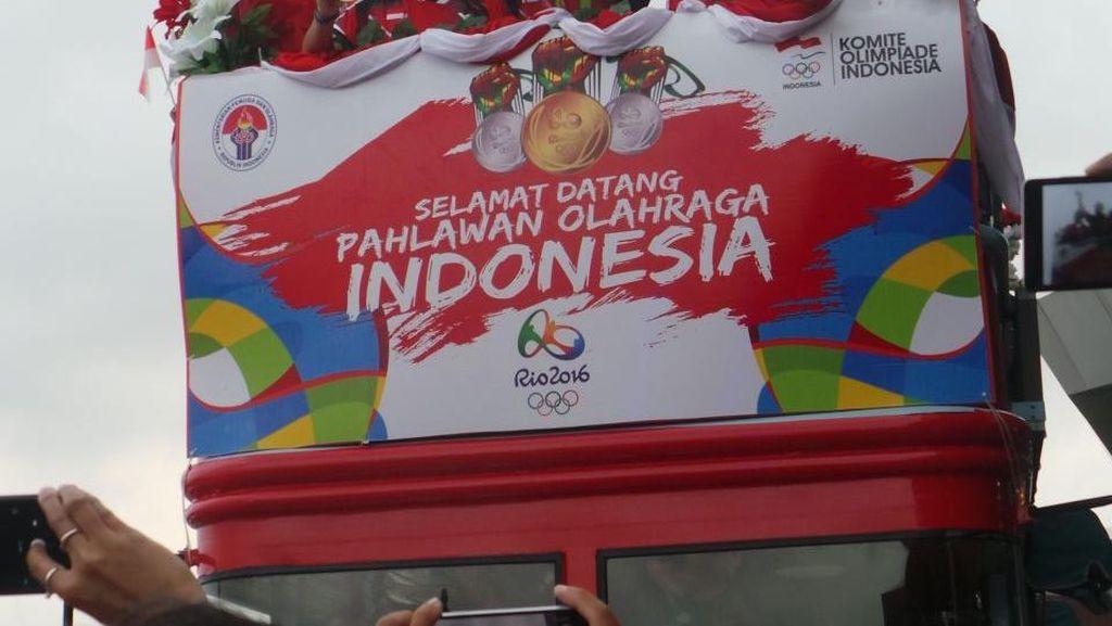 Tiba di Indonesia, Peraih Medali Olimpiade Diarak Menuju Kemenpora