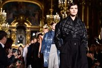 Fashion show Stella McCartney di Paris Fashion Week.