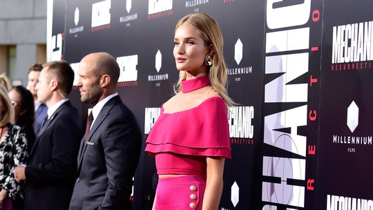 Seksinya Rosie Huntington-Whiteley di Karpet Merah