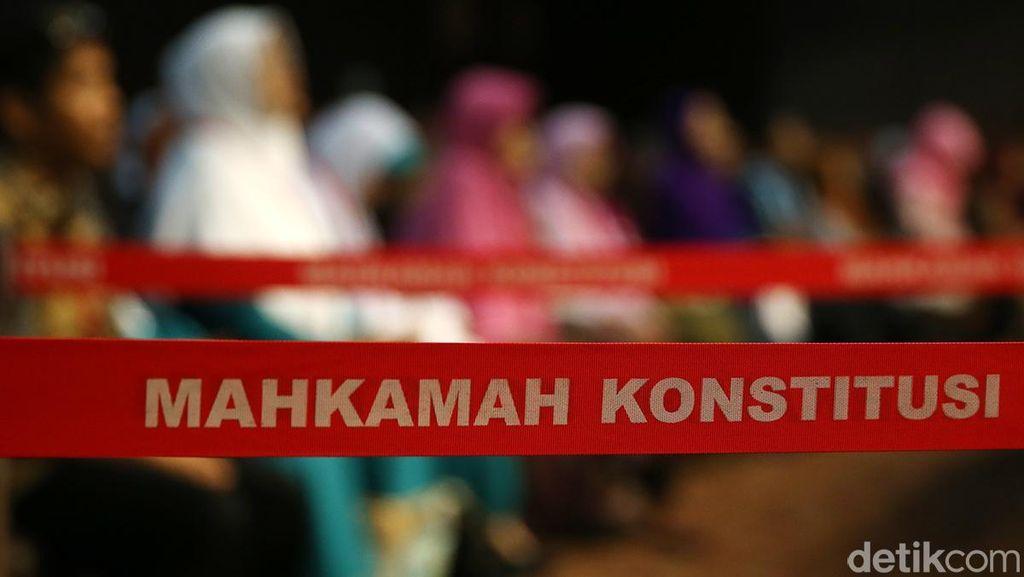 Hasil Pilbup Madina Sumut Juga Digugat Paslon Sofwat-Zubeir ke MK