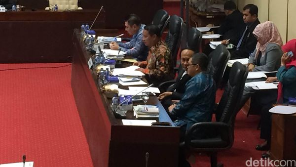 Komisi V DPR Evaluasi Angkutan Lebaran Bersama Menhub dan Sejumlah Maskapai