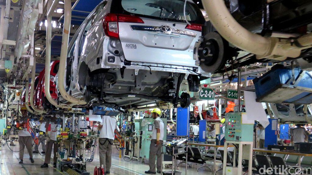 Produksi Tak Optimal, Stok Mobil Daihatsu di Dealer Cukup?