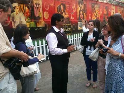 Ikut Tur di Mumbai, Bisa Lihat & Bertemu Artis Bollywood Terkenal