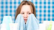 Perhatikan! 10 Bahan Kosmetik Ini Bisa Memperparah Kulit Berjerawat