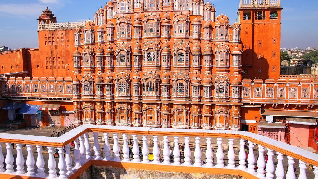 Foto: Istana Angin dari India, Dibikin Tanpa Pondasi