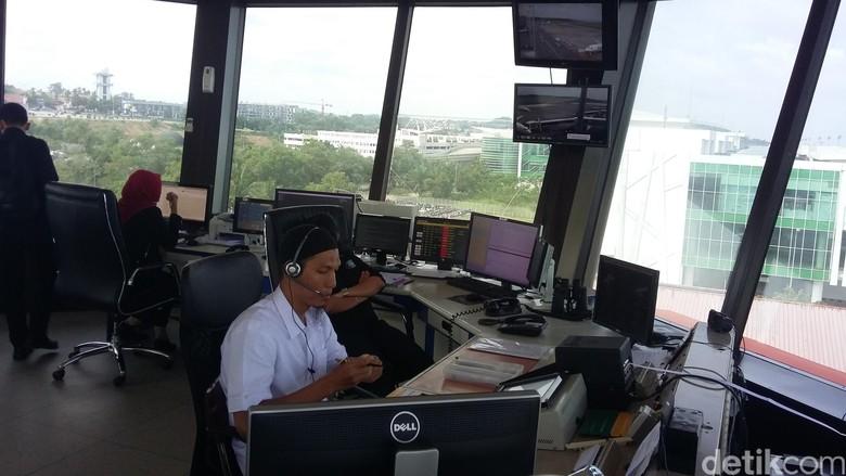 Kisah Soal Fokus Penuh Petugas ATC Jaga Lalu Lintas di Langit Bandara