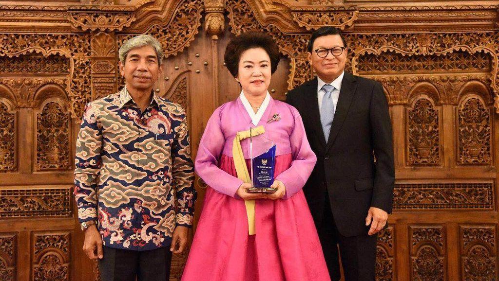 4 Pengusaha Sahabat TKI Korsel Terima Ambassador Award