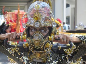 Foto: Melihat Lebih Dekat Makeup Peserta Jember Fashion Carnaval
