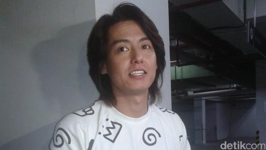 Roger Danuarta, dari F4 Indonesia, Narkoba hingga Mualaf
