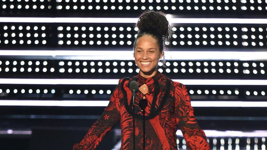 Alicia Keys Jadi Host Perempuan Pertama Grammy Awards 2019 Setelah 14 Tahun